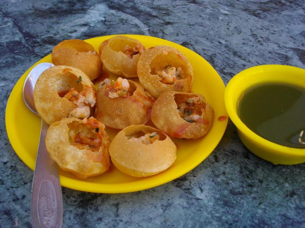 Golgappa_Pani_Puri_India (1).jpg